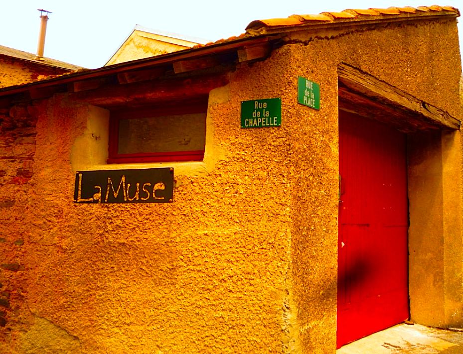 la-muse-signage